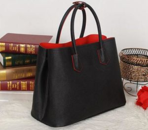 A Tote Bag Is The Most Versatile As There Are Over Hundred Ways To Use It Stylish Comfortable And Super Functional At Same Time